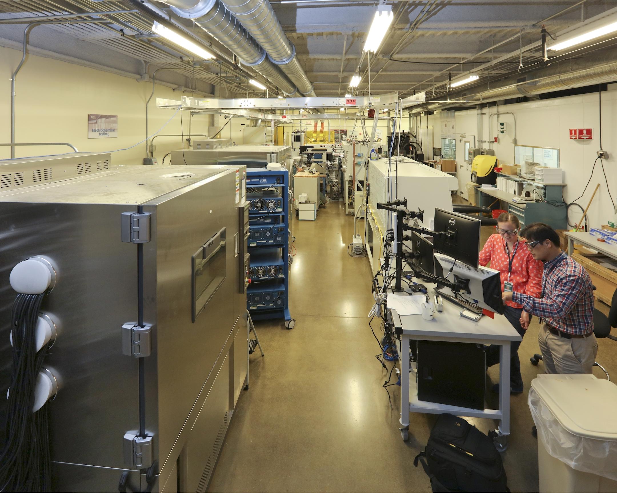 Battery manufacturing lab advances vehicle battery technology | ORNL