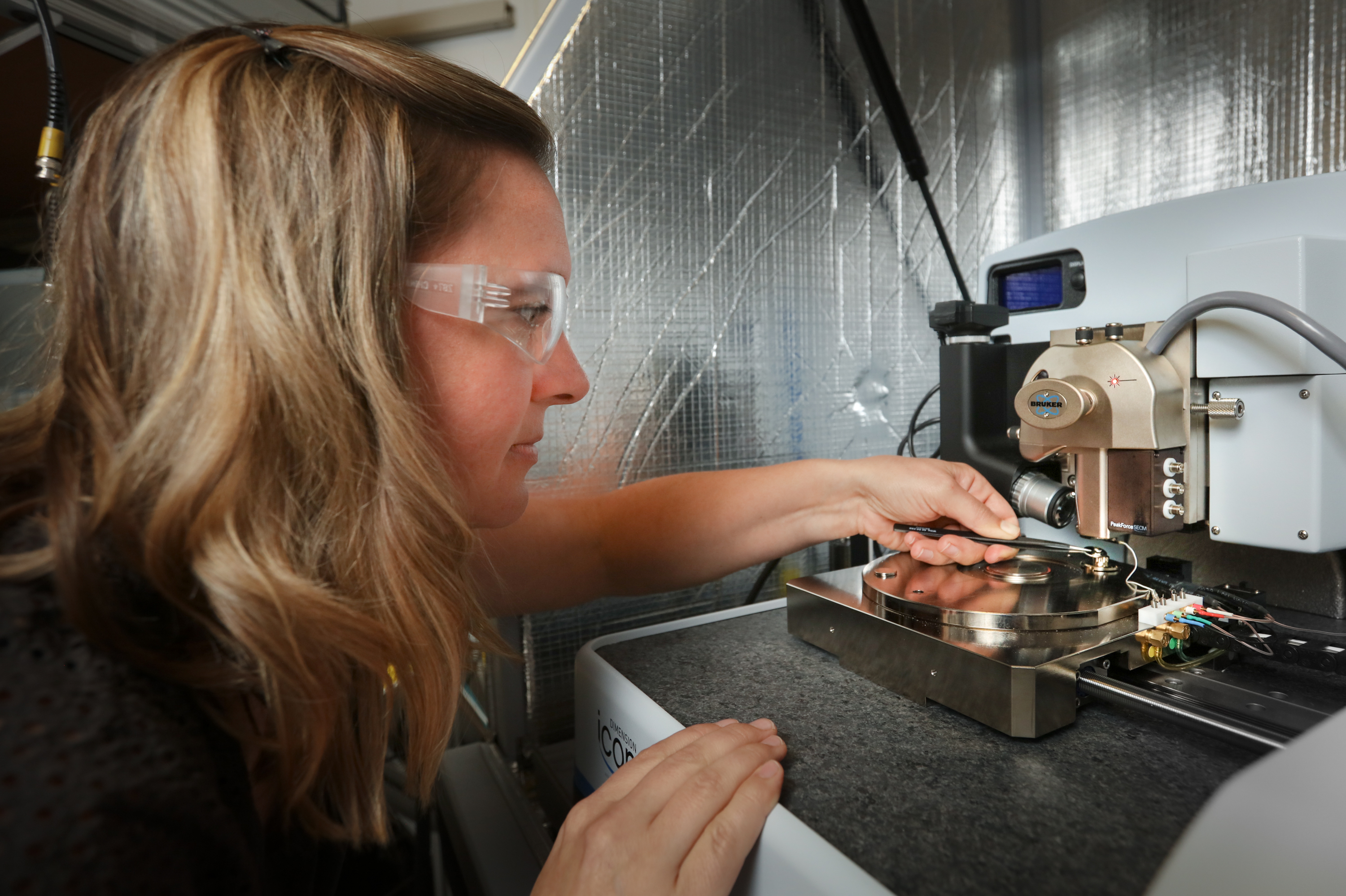 ORNL scientist Nina Balke uses scanning probe microscopy to explore materials' nanoscale properties and push boundaries in nanomaterials for energy applications.