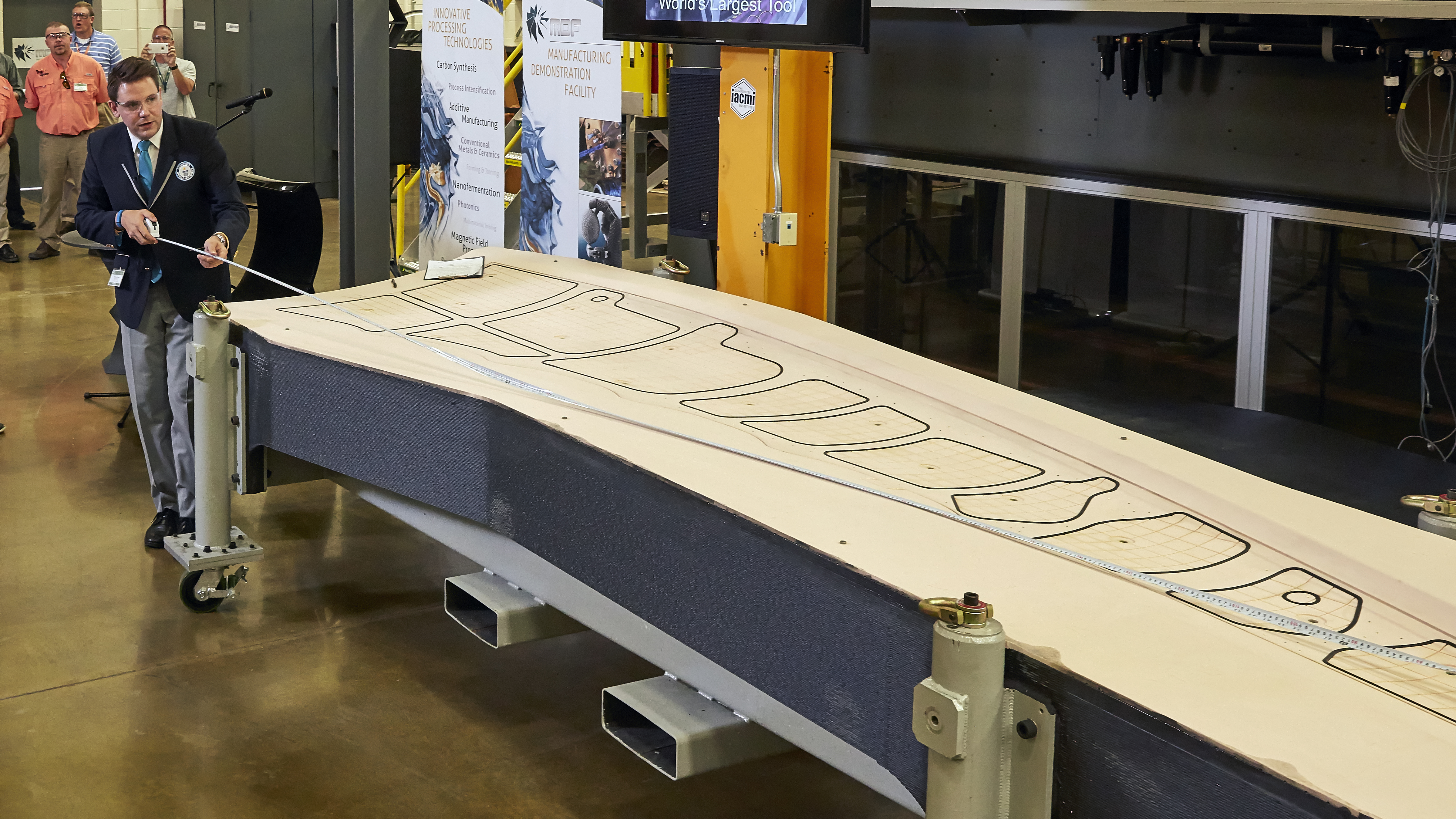 3D printed tool for building aircraft achieves Guinness ...