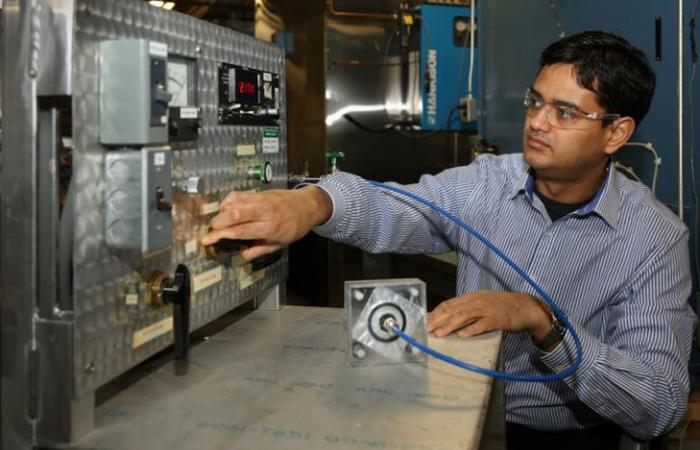 Kaushik Biswas is a mechanical engineer in the Building Envelope & Urban Systems Research Group at Oak Ridge National Laboratory
