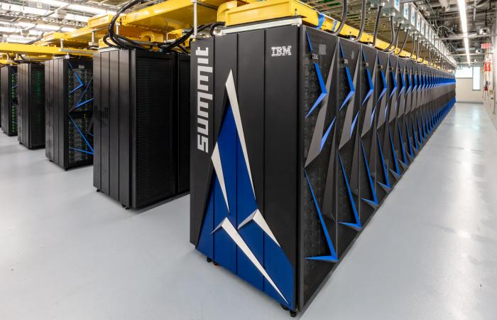 Oak Ridge National Laboratory launches Summit supercomputer.