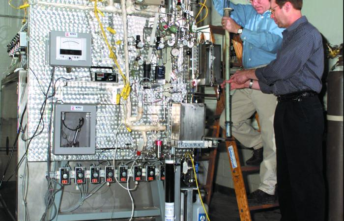 For DOE programs that ran 1992–2005, companies sent materials to ORNL for stress-testing.
