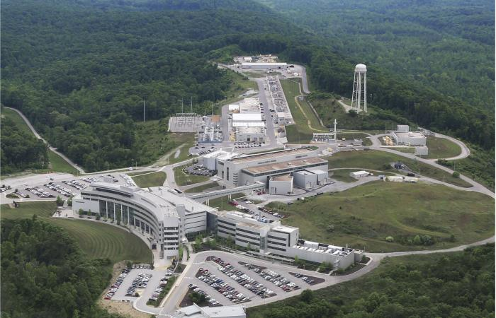 "During normal operations of the Spallation Neutron Source, this world-class ""neutron factory"" also produces neutrinos in large quantities. Image credit: Oak Ridge National Laboratory, U.S. Dept. of Energy; photographer Jason Richards"