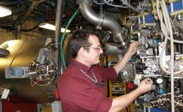 ORNL's Drew Elliott served as a major collaborator in upgrading the Princeton Plasma Physics Laboratory's Lithium Tokamak Experiment-Beta. Credit: Robert Kaita, Princeton Plasma Physics Laboratory