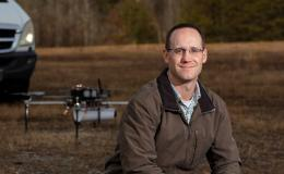 Andrew Harter, pictured, and fellow ORNL staff members formed Horizon31 to build a set of products and services that provide customized unmanned vehicle control systems. Credit: Carlos Jones/ORNL, U.S. Dept. of Energy