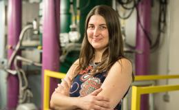 Leah Broussard leads a study of neutron decay to understand correlations between electrons and antineutrinos as well as subtle distortions in the electron energy spectrum.
