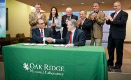 ORNL-Lenvio_tech_license_signing_ceremony2