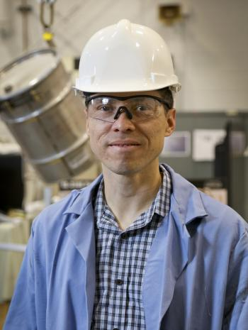Oscar Martinez, pictured at the National Transportation Research Center packaging facility. Credit: Jason Richards/ORNL, U.S. Dept. of Energy